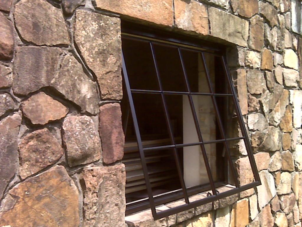 Glasses Frame Repair Birmingham : The Birmingham Handyman - Steel Window Welded In Place