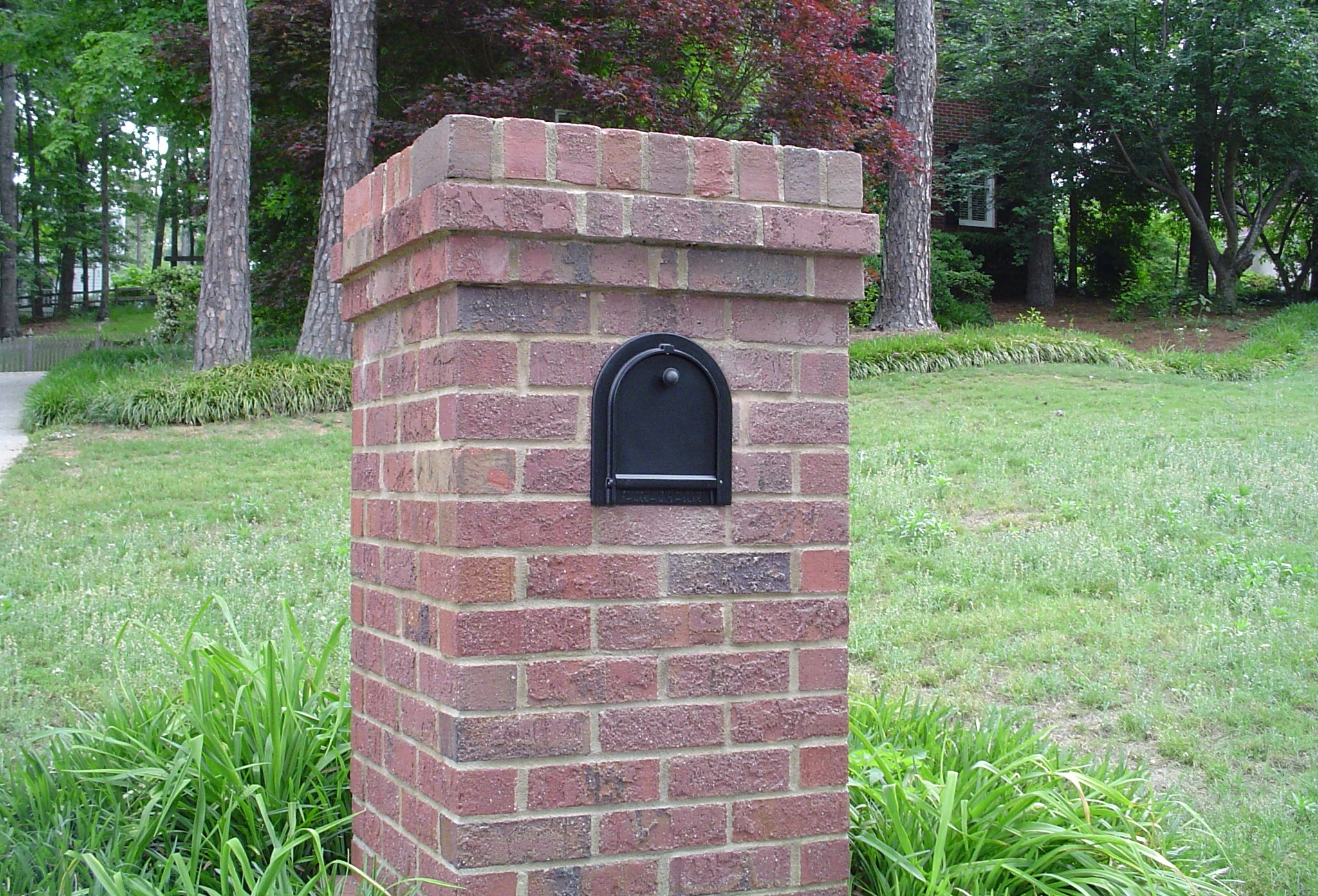 The birmingham handyman brick mailbox door repair for Best mailbox design